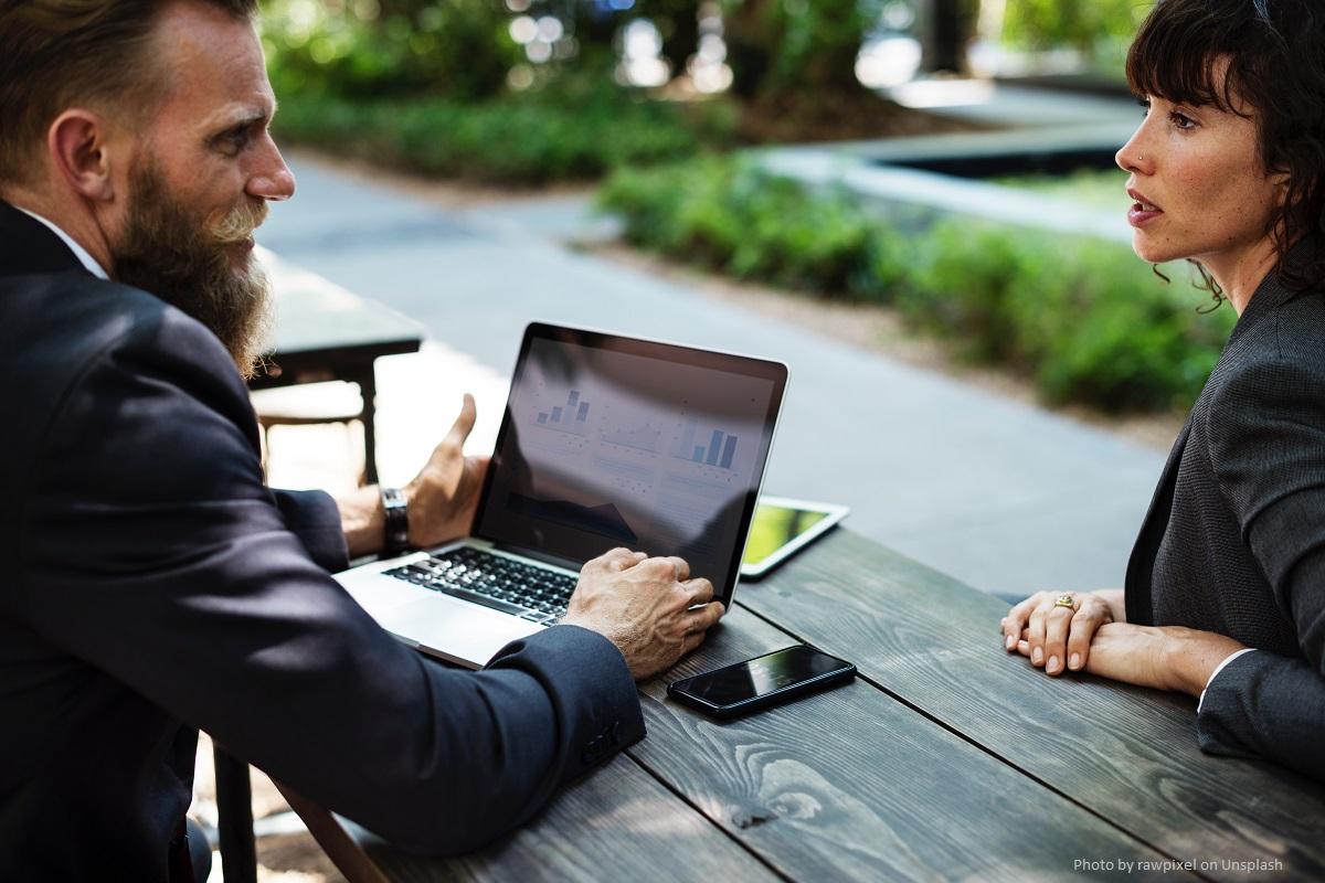 Der Business Coach begleitet Menschen und fördert sie