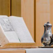 Theologieausbildung: Theorie und Praxis einander näher bringen